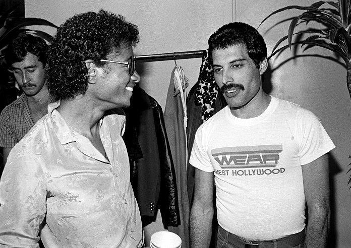 Freddie Mercury po boku Michaela Jacksona.