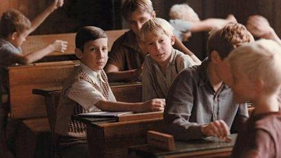 Chlapecká třída ve snímku Obecná škola.
