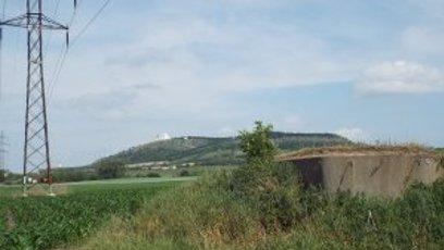 Mikulov – bunkr s pozemkem.