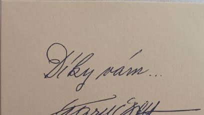 Karel Gott 22 měsíců po smrti pozdravil své přátele.