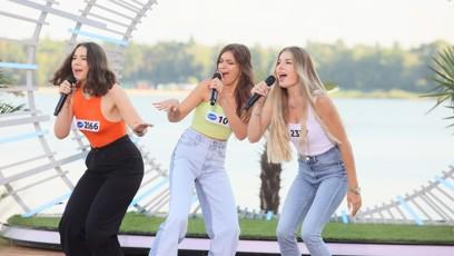 Děvčata zazpívaly píseň od Spice Girls.