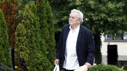 Na pohřeb dorazil také moderátor Karel Šíp.